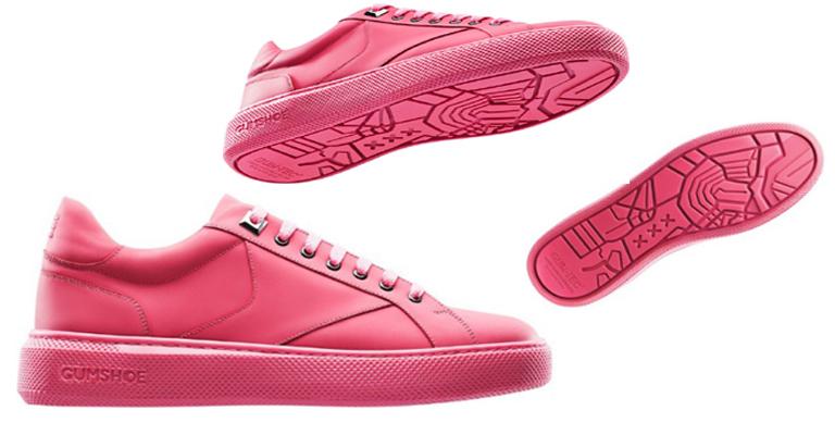 Sapatos feitos de gomas de mascar