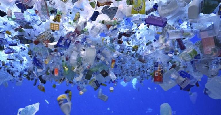 União Europeia avança para banir plástico descartável