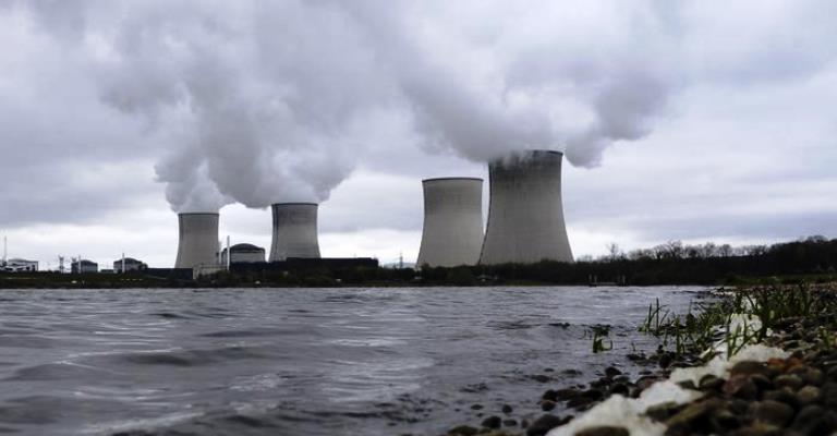 França planeja desligar um terço dos reatores nucleares