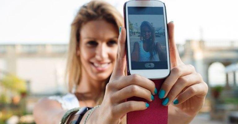 4 dicas para o cabelo sair perfeito nas selfies!