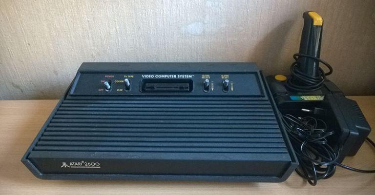 Tec Toy lançará no Brasil novo modelo do Atari com jogos na memória