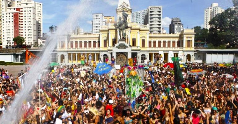 Carnaval em BH deve injetar R$ 335 milhões no comércio