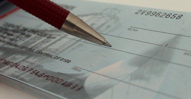 Cheque pré-datado é utilizado por 8% dos brasileiros
