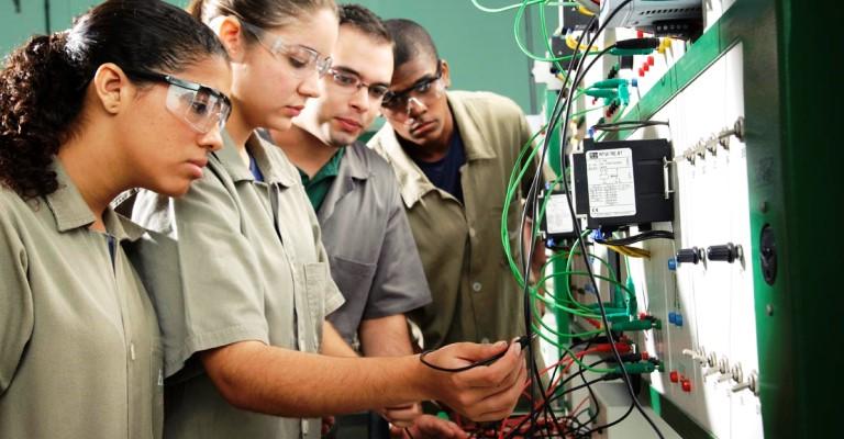3,4 milhões fizeram cursos profissionalizantes