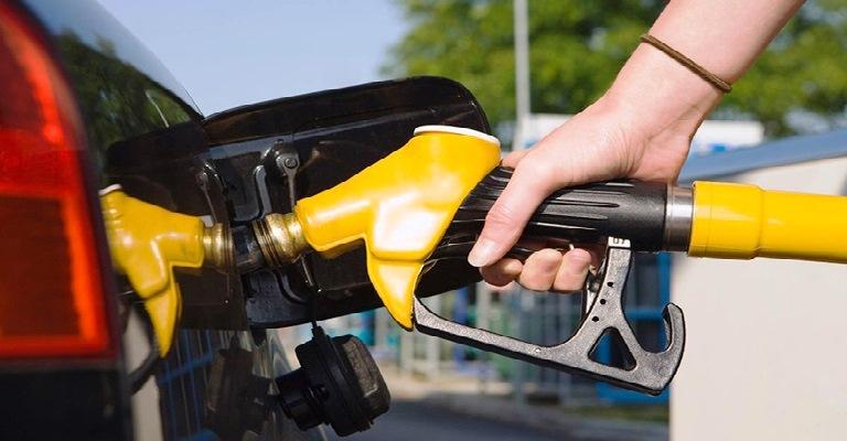Projeto de lei proíbe veículos a gasolina ou diesel