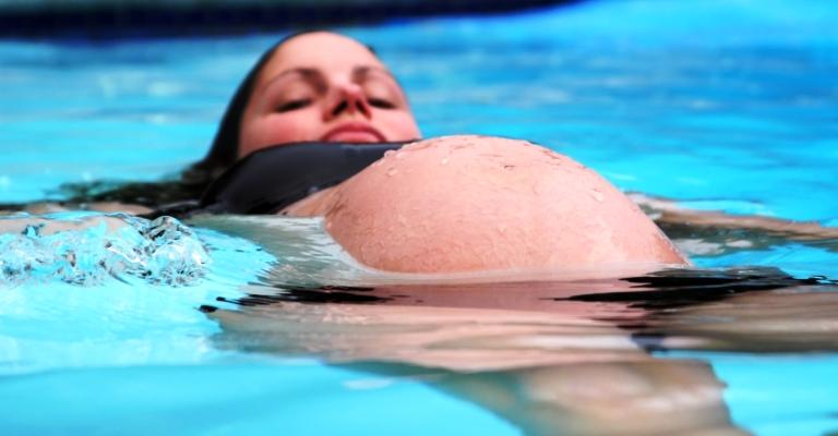 Hidroterapia e seus benefícios para as futuras mamães