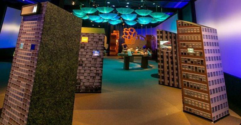 Museu do Amanhã faz mostra de 40 artistas brasileiros