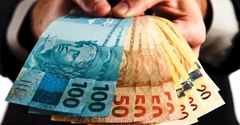 Saque das contas inativas injetou R$ 44 bilhões
