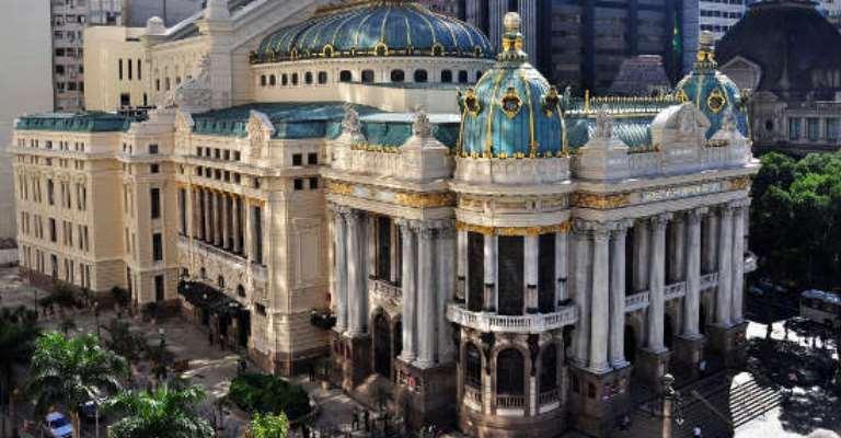 Theatro Municipal do Rio retoma cantata Carmina Burana