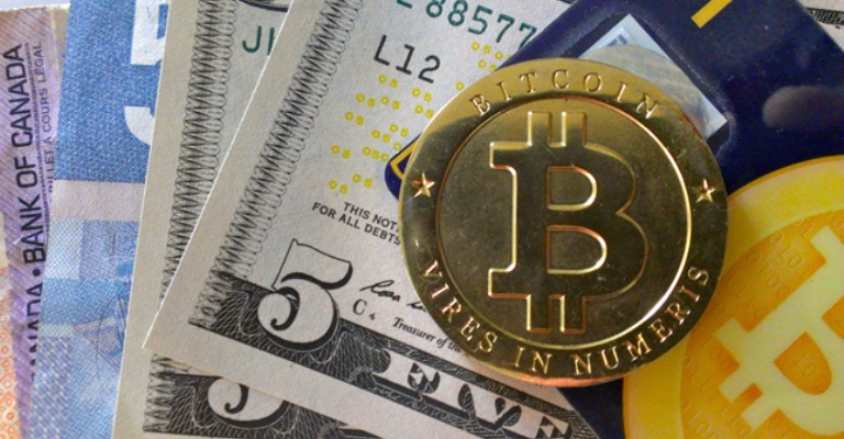 Bitcoin atinge máxima recorde de US$2,4 mil