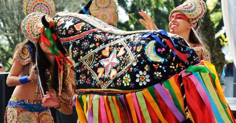 Resultado de imagem para Bumba Meu Boi concorrerá ao título de Patrimônio Cultural da Humanidade