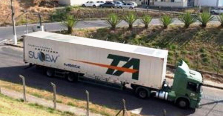 Transportadora testa energia solar em carreta