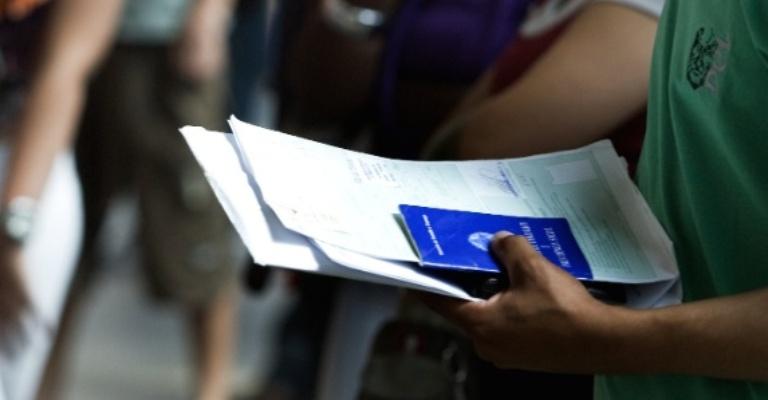 Mercado de trabalho brasileiro começa a se recuperar