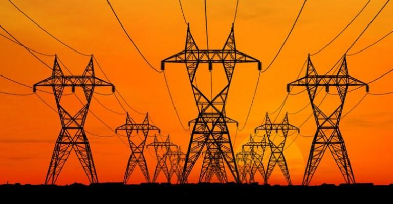 Brasil começa a receber energia do Uruguai