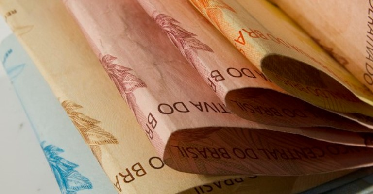 Demanda por crédito cresce 5% em maio