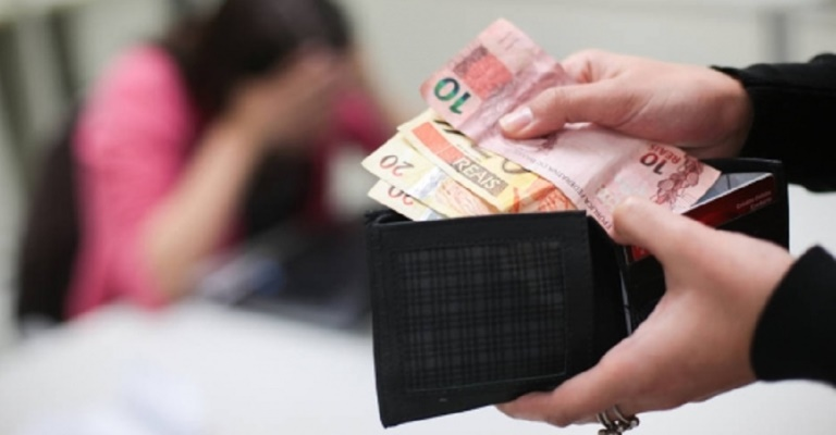 Inadimplência do consumidor cai 1,9% no últimos 12 meses