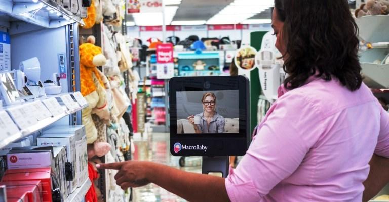 Loja de enxoval de bebê lança robô de compras