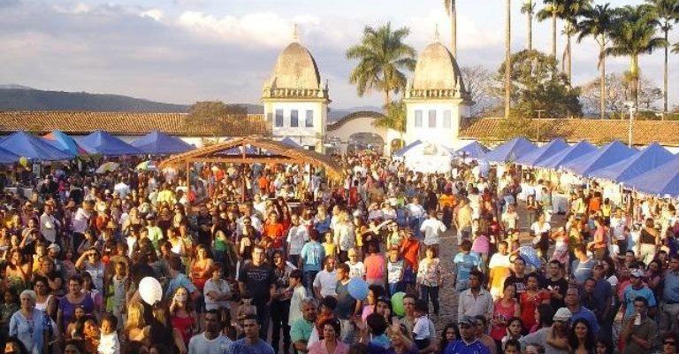 Festival em Congonhas reúne quitandas e sertanejo