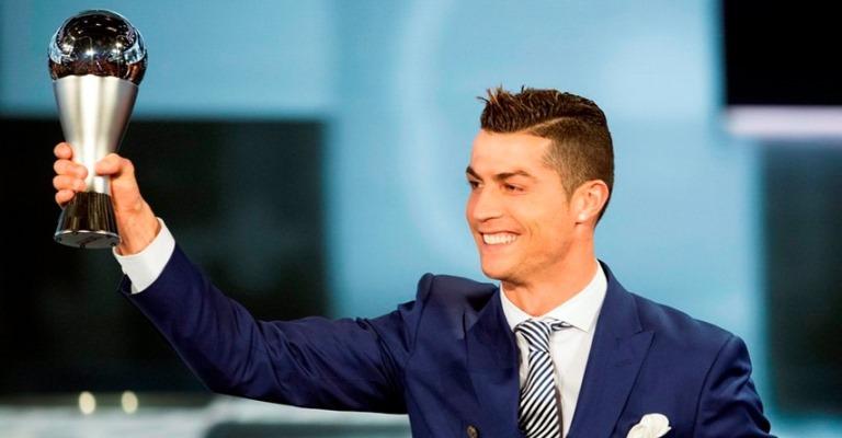 Cristiano Ronaldo lidera lista de atletas mais bem pagos