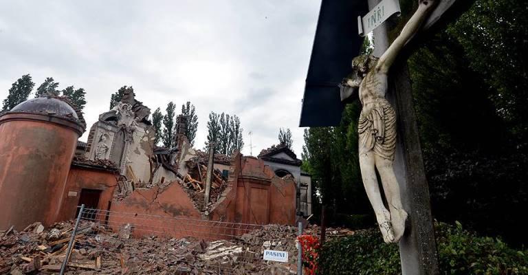 Papa visitará áreas atingidas por terremoto na Itália