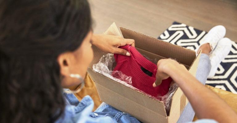 Veja dicas para acertar nas compras de roupas online