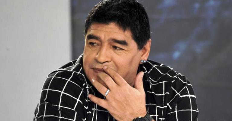 Maradona vai trabalhar para a Fifa após superar divergência
