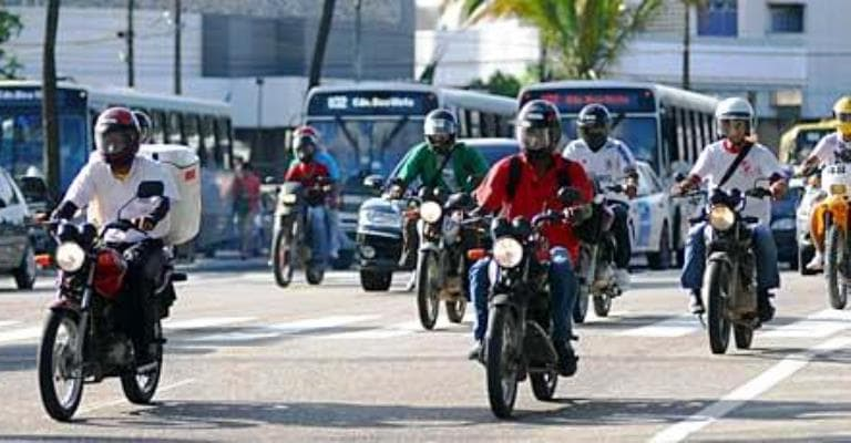 Motos de baixa cilindrada dominam as rodovias