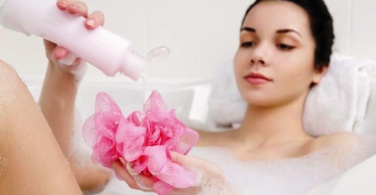 Mitos e verdades sobre o uso de sabonetes íntimos