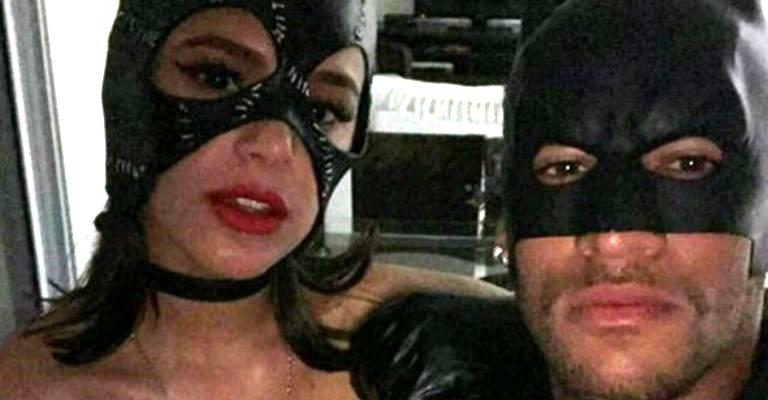 Neymar e Marquezine viram Batman e Mulher-Gato