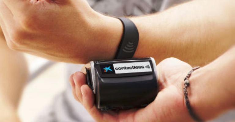 Bancos apostam em dispositivos para substituírem cartão