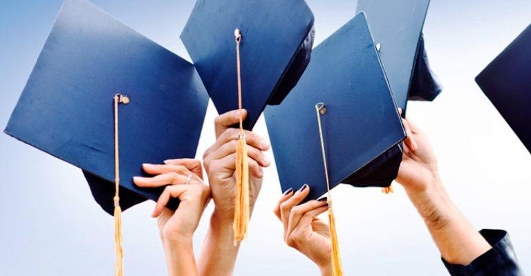 Bolsas de estudo encerram inscrições em setembro