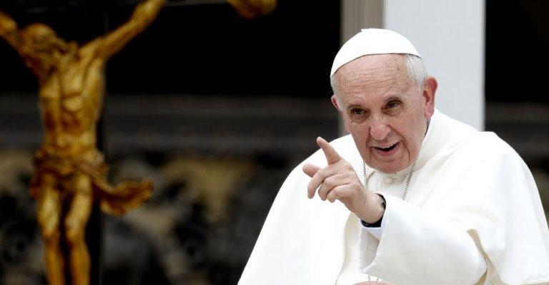 Em carta, Papa Francisco recusa visita ao Brasil