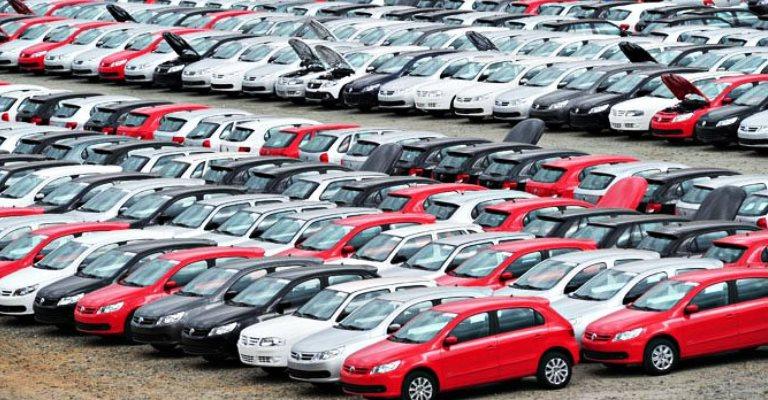 Financiamento de veículos novos cai 18% em agosto