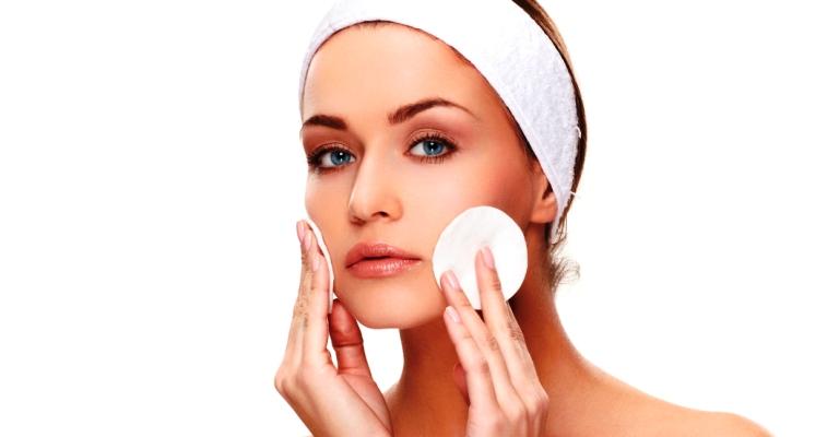 Hábitos comuns que entopem os poros
