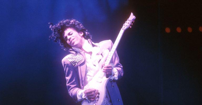 Lançamento de novas músicas do Prince é suspenso
