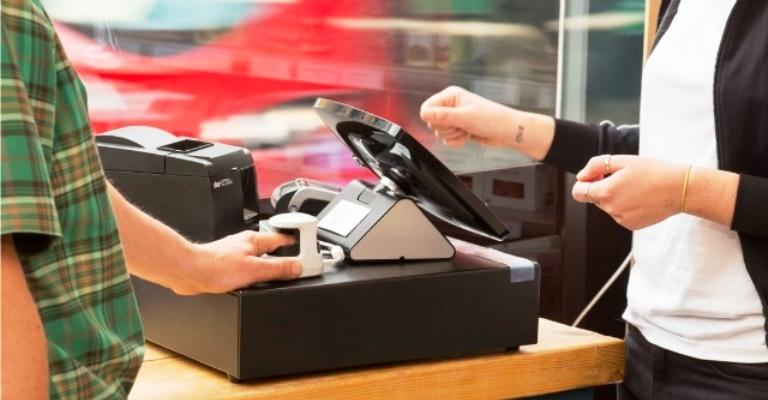 Supermercado aceita impressão digital para pagar contas