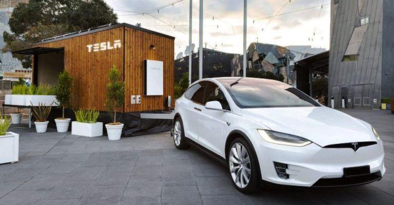 Casa móvel é 100% abastecida por energia solar
