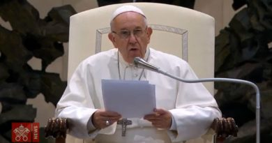 """Papa: """"Pai Nosso"""" convida à aproximação com Deus com confiança filial"""