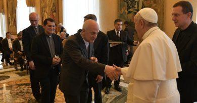 Papa afirma que é preciso renovar impulso missionário ad gentes