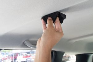 728px-Clean-a-Car-Ceiling-Step-4