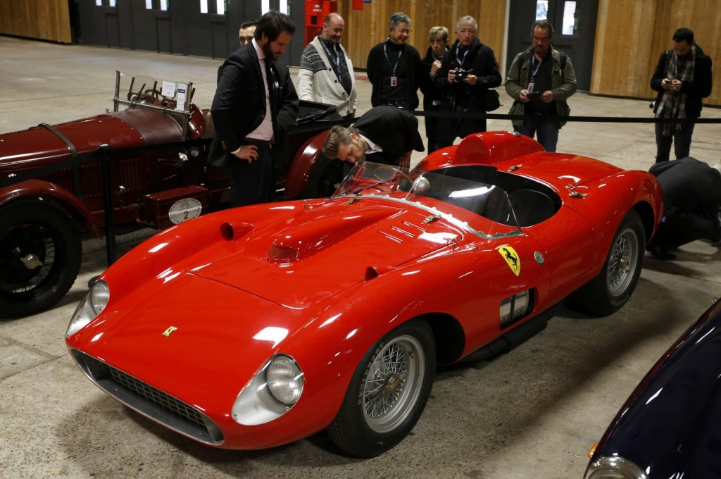 2016-02-05t115419z_767992791_lr1ec250x28k8_rtrmadp_3_france-auction-ferrari