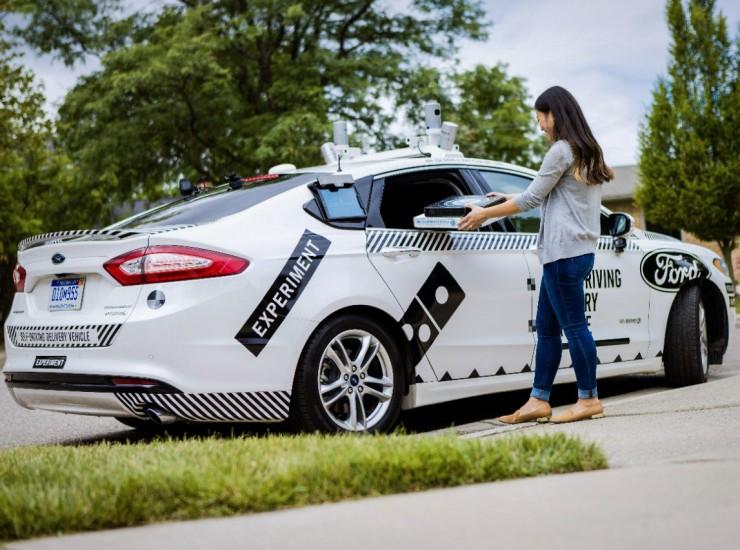 ford-carroautonomo-dominos-4