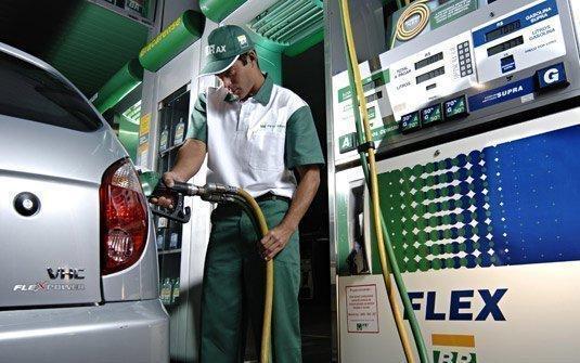 misturar-alcool-gasolina-motor-flex-0-535