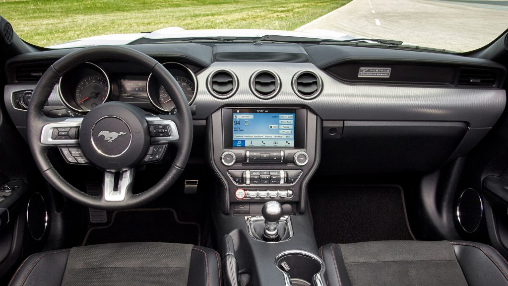 2015-2017-ford-mustang-interior
