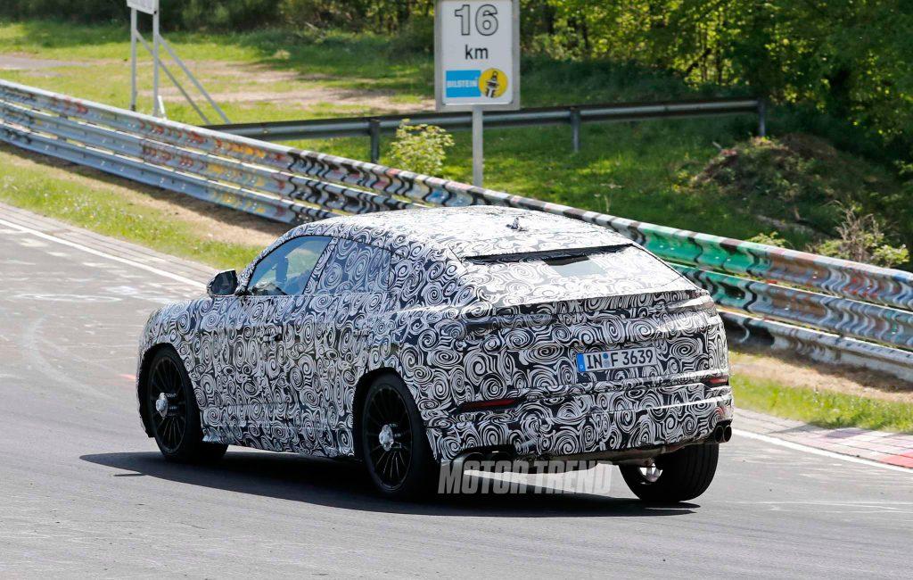 Lamborghini-Urus-prototype-testing-on-track-12
