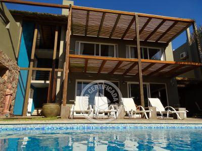 Villa Juana - Bungalows & Suites