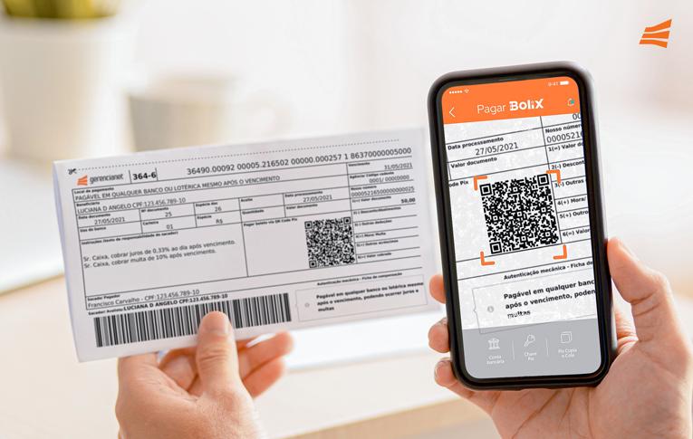 Um smartphone escaneando o QR Code do Pix no boleto.