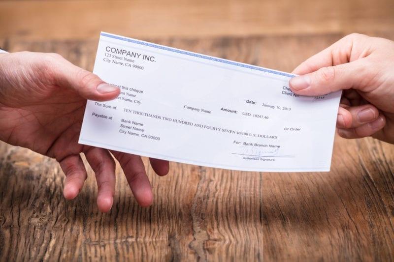 ¿Los Cheques Se Siguen Usando?