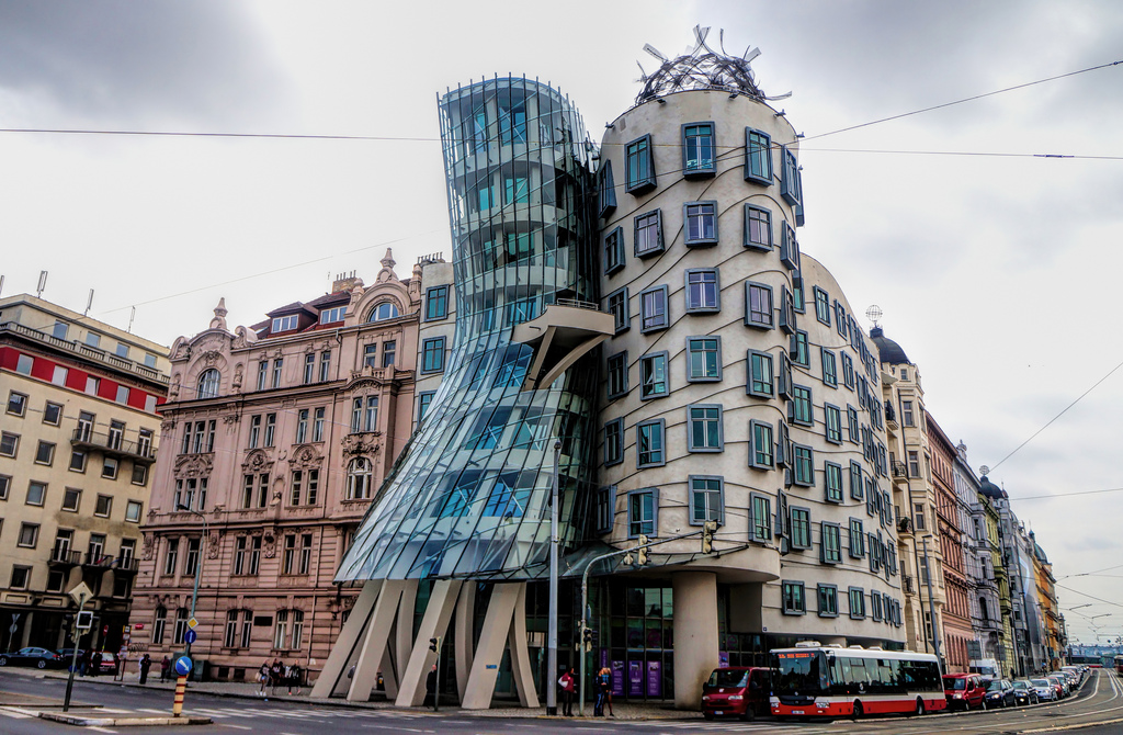 Frank-Gehry-Dancing-House