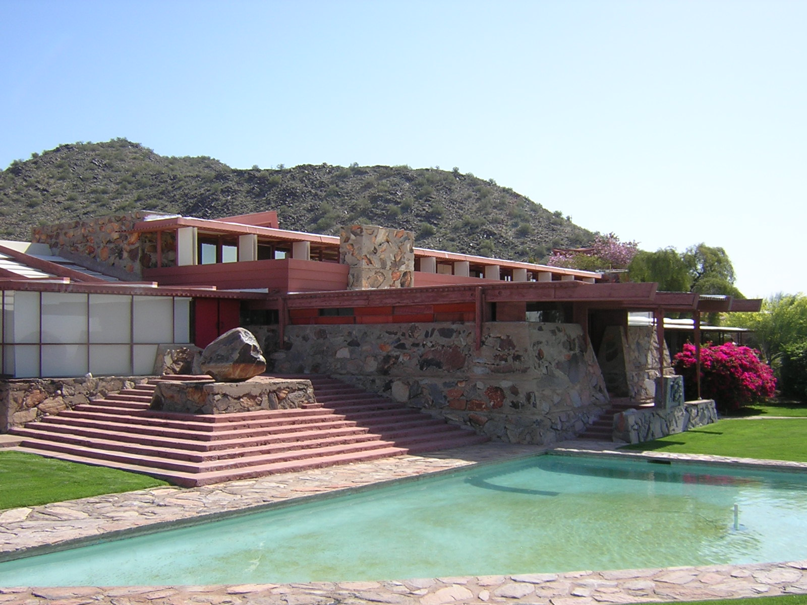 frank-Lloyd-wright-Tailesin-West